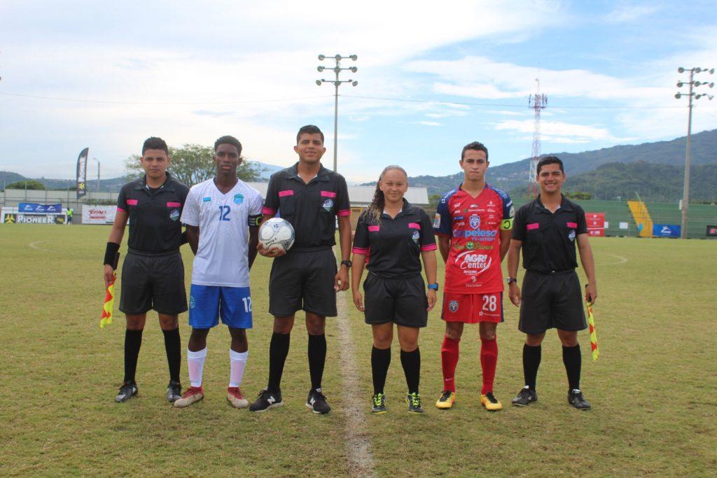 Sebastián Acuña (28) capitán y goleador de San Carlos.